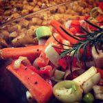 Ofenkartoffel-Eckchen mit Ofengemüse