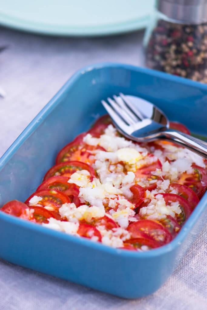 Tomaten Salat mit Zwiebeln