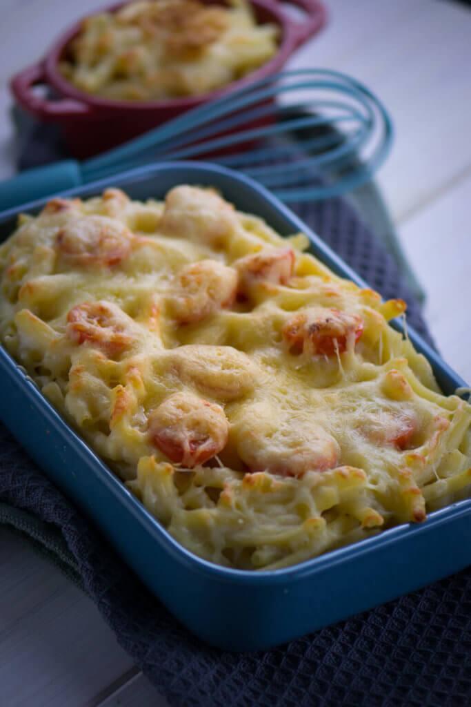 Mac and Cheese - Nudeln werden mit einer Käsesoße vermischt und meist mit geriebenem Käse im Ofen überbacken