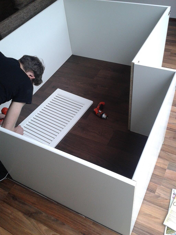 selbstgebauter kaninchenauslauf f r die wohnung. Black Bedroom Furniture Sets. Home Design Ideas