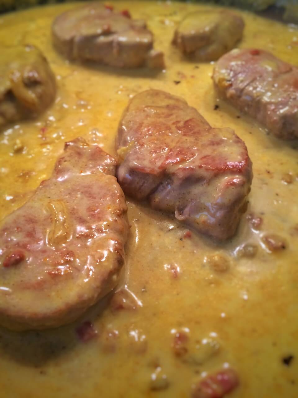 Schweinemedaillons in Curry Sauce