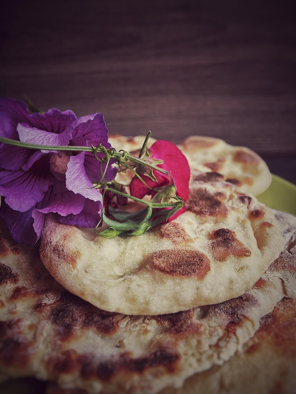 Naan Brot Pizza