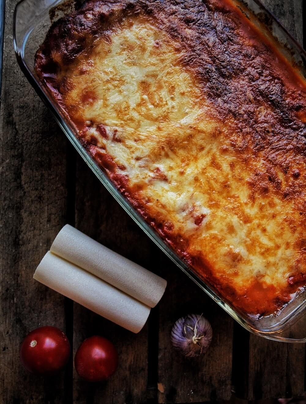 Cannelloni mit Spinat Frischkäse Füllung in leckerer Tomatensauce