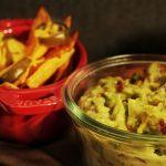 Überbackene Käse Nachos mit Guacamole