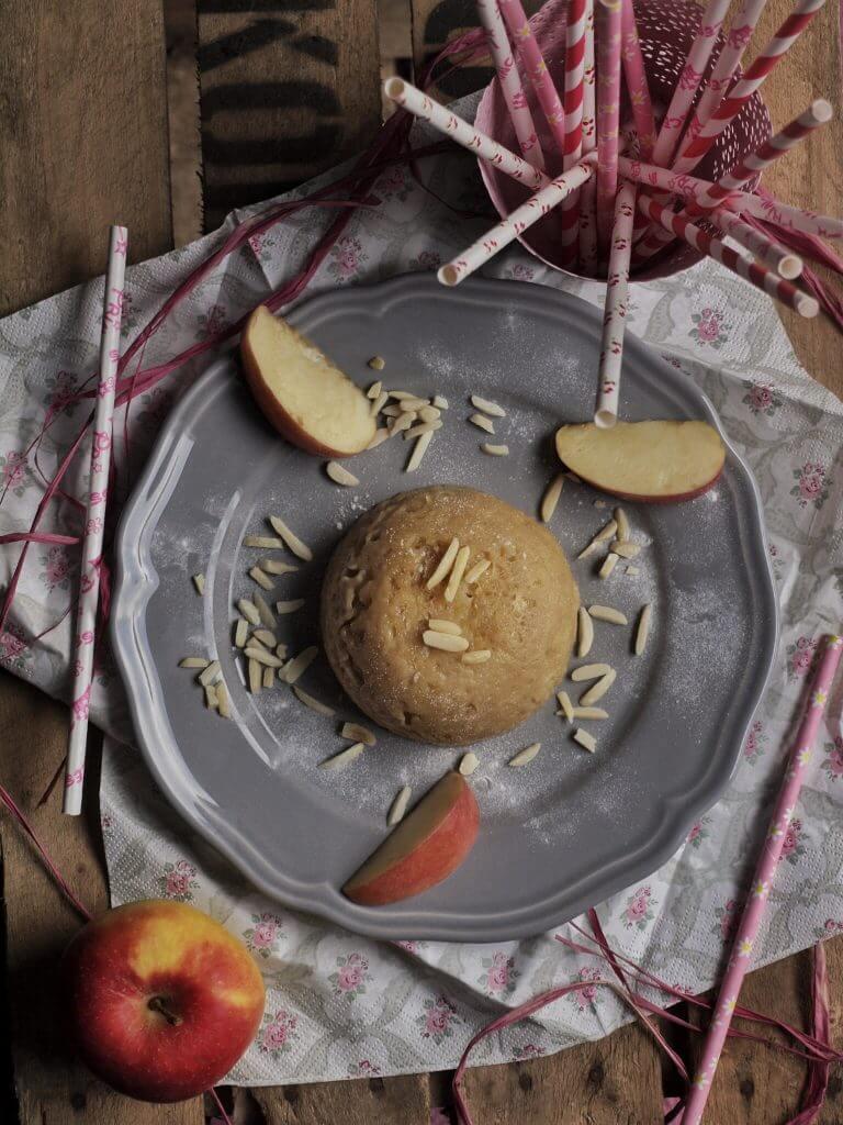 Mikrowellenkuchen Tasse - Apfel Kuchen mit Dinkelmehl aus der Mikrowelle