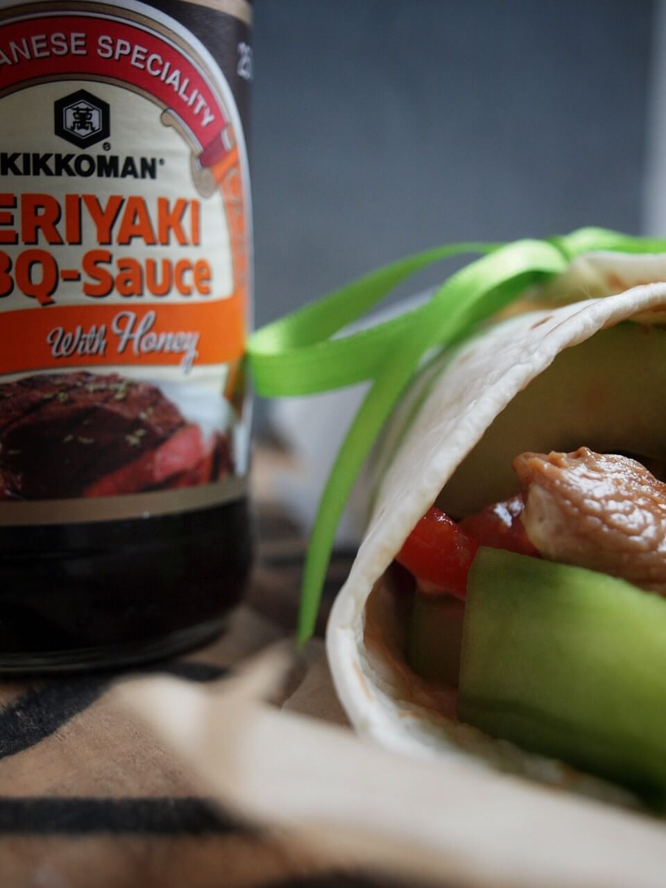 Chicken Teriyaki Wraps mit Honig Senf Dressing