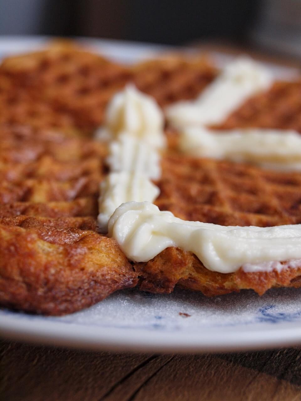 Karotten Waffeln mit Haferflocken + Dinkelmehl