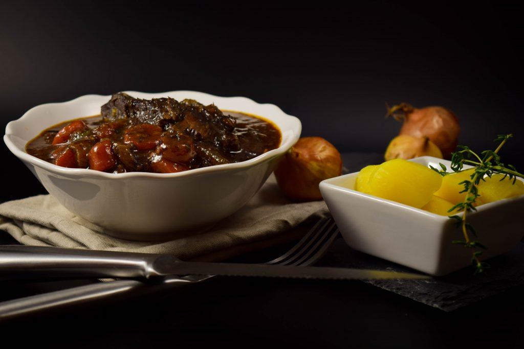 Rinderschmortopf - Boeuf Bourguignon Rezept mit Perlzwiebeln ohne Pilze