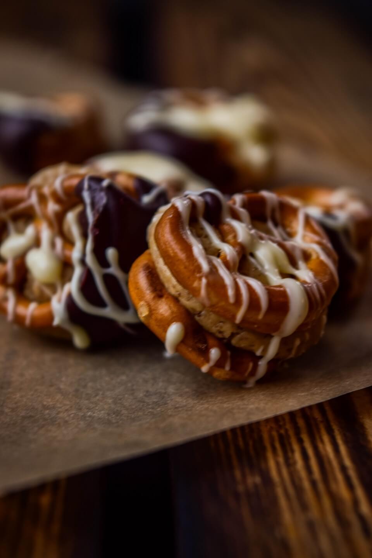 Rezept für Peanutbutter Brezeln mit Schokolade