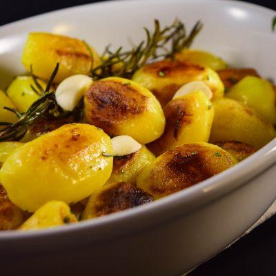 Rosmarinträumchen – runde und knusprige Rosmarinkartoffeln
