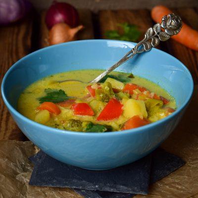 Schnelle Curry Kokos Gemüsesuppe
