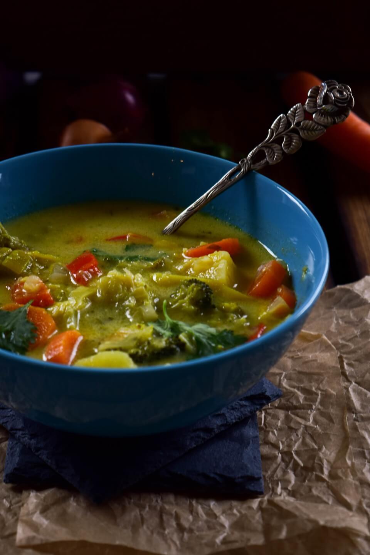 Curry Kokos Gemüsesuppe