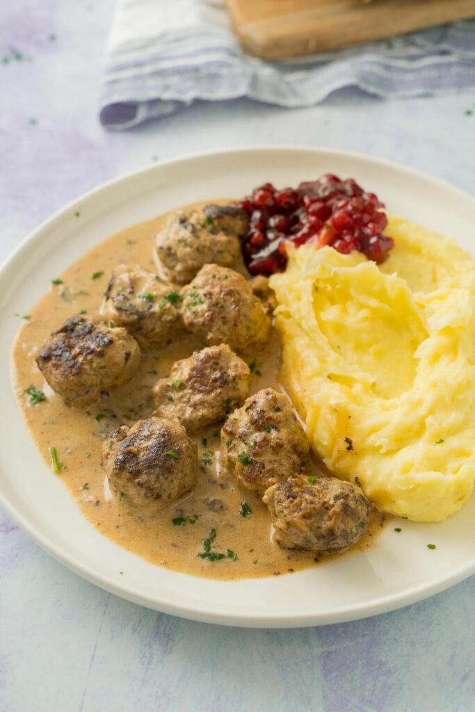 Super lecker - Schwedische Köttbullar mit Rahmsoße