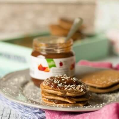 Hafer-Dinkel Schoko Pancakes mit Banane und Kokos *Werbung*