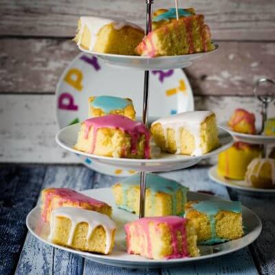 """Ein Zitronenkuchen zu meinem 1. Blog Geburtstag und """"eine große Party und mega tolle Gewinne für alle"""""""