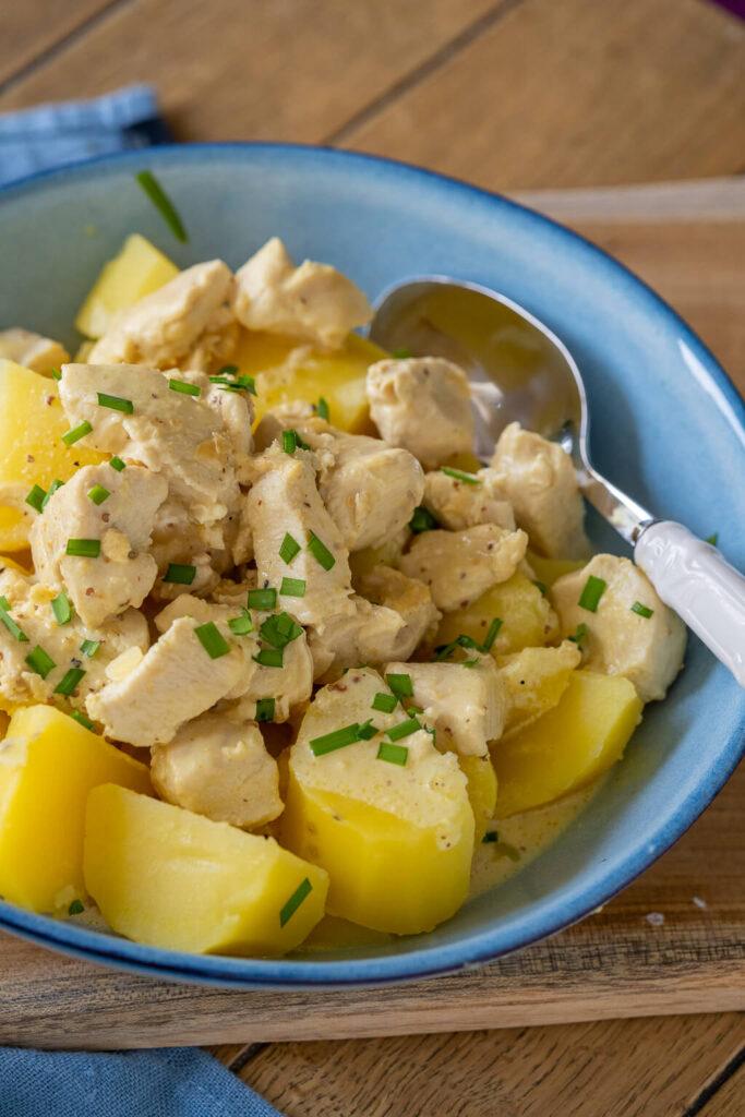 So einfach kochst du leckere Senfsoße - schmeckt der ganzen Familie -am besten mit Kartoffeln