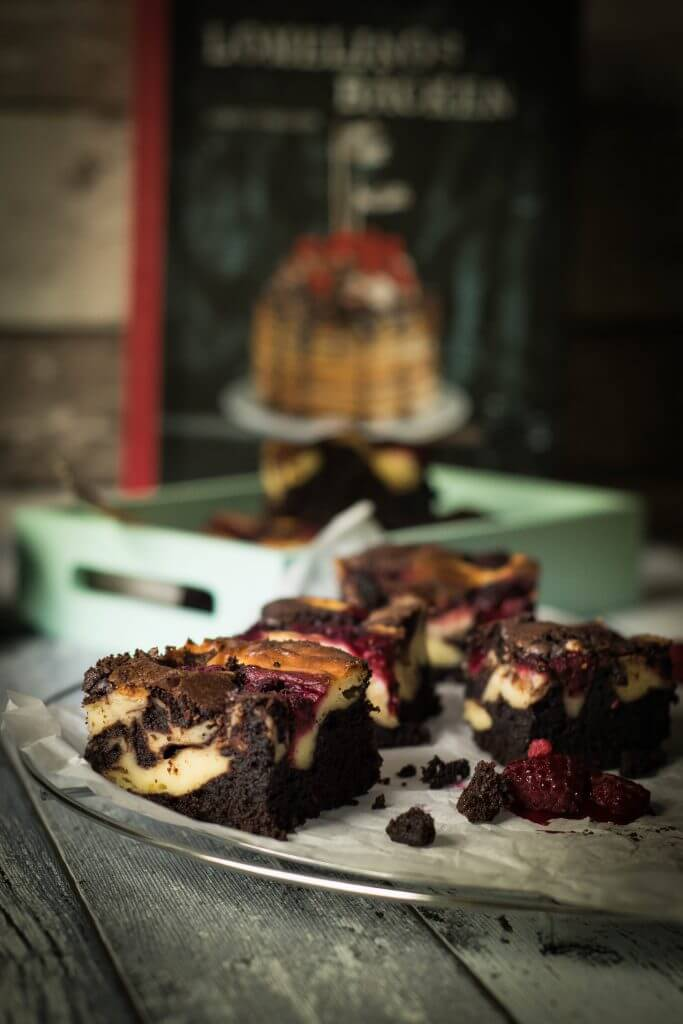 Raspberry Cheececake Brownies