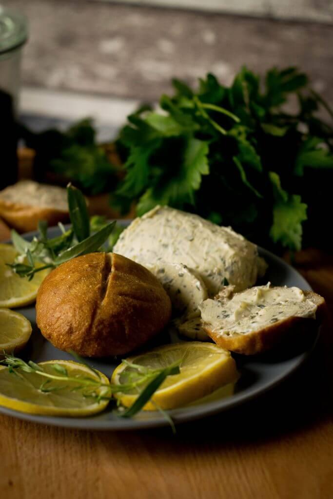 Tolles Rezept für Zitronen-Estragon Butter
