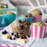 Blaubeer Muffins mit weißer Schokolade