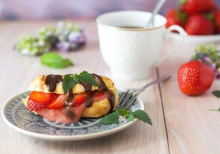 Sommerliche Erdbeer Eclairs [Gastbeitrag von Naschen mit der Erdbeerqueen]