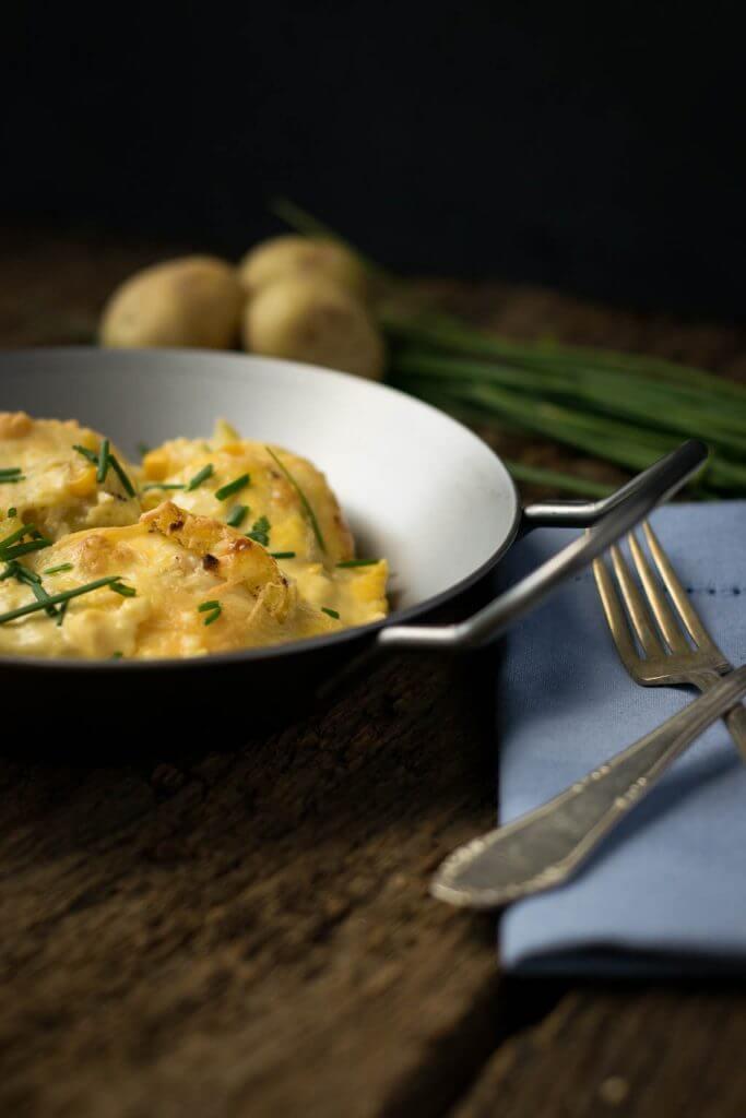 Ich liebe dieses Kartoffelgratin mit Sauce Hollandaise