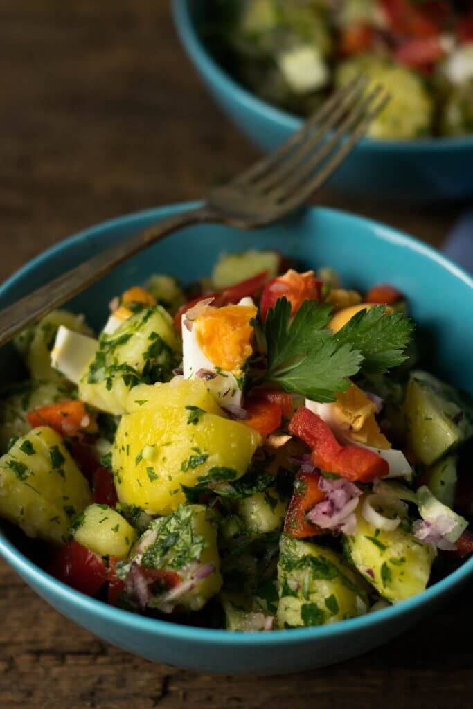 Kartoffel Salat mit Dill, Petersilie und Ei