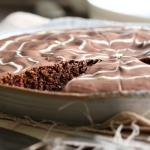 Nutella-Erdmandel-Kuchen mit Kirschen {Gastbeitrag von LECKER&CO}