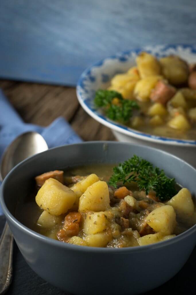 Super Rezept für Kartoffelsuppe mit Würstchen