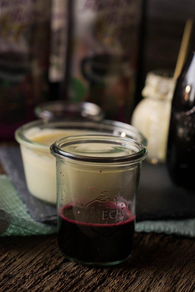 Rezept für Grieß mit Fliederbeersaft