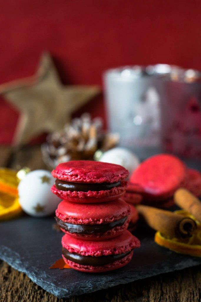 Ein Traum in Rot! Weihnachtsmacarons mit Orangen Schokolade
