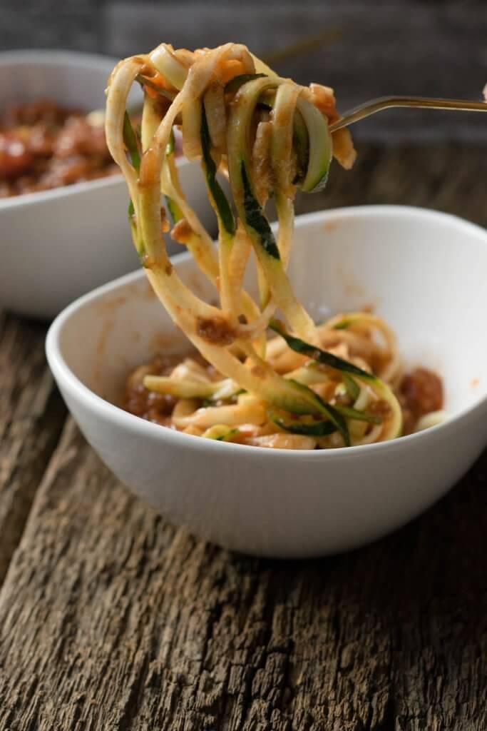 Pasta mal anders - Zucchini Nudeln mit Hackfleisch Sauce