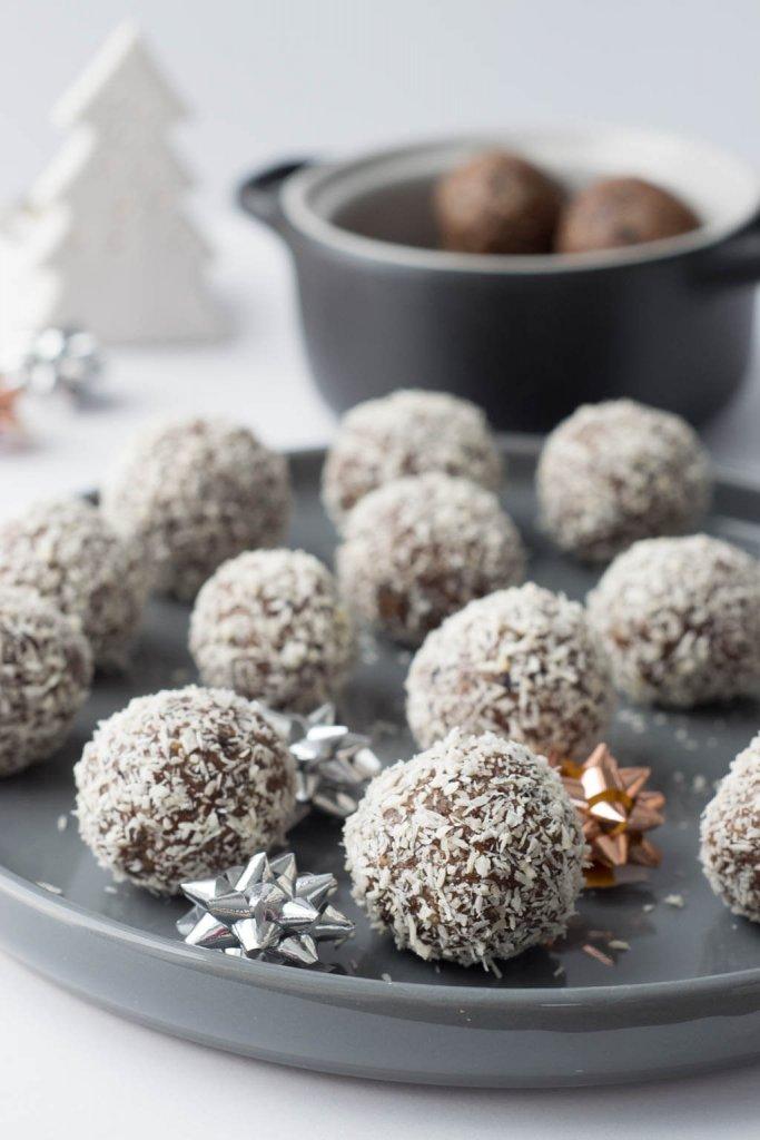 Rezept für vegane Energyballs mit Zimt
