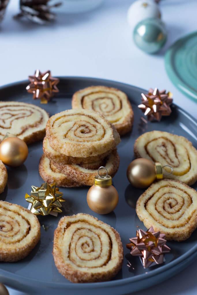 Weihnachtsplätzchen mit Zimt - Zimtschnecken Plätzchen #kekse #Weihnachten #plätzchen #zimt