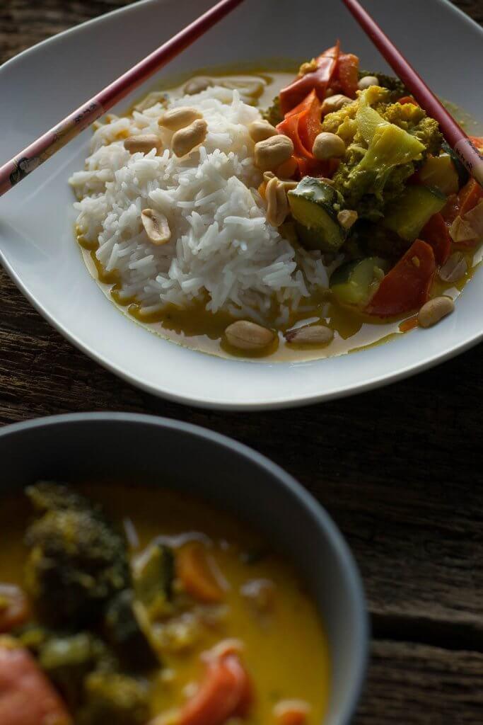 Rezept für gelbes Thai Curry Gemüse mit Kokosmilch