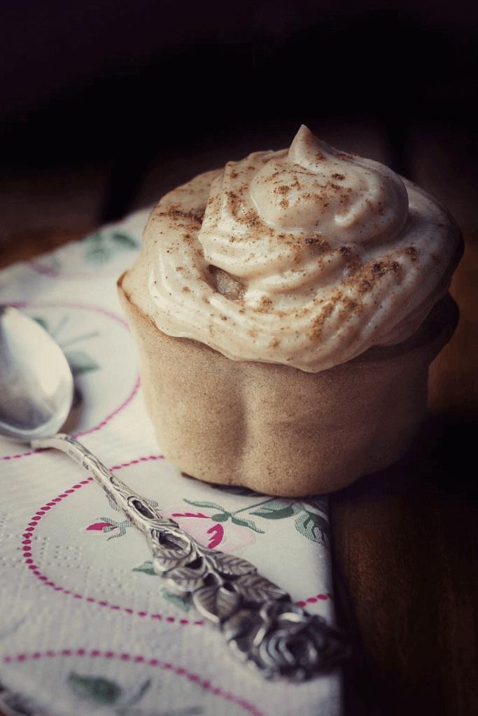 Apfelmus Cupcakes mit Frischkäse Frosting