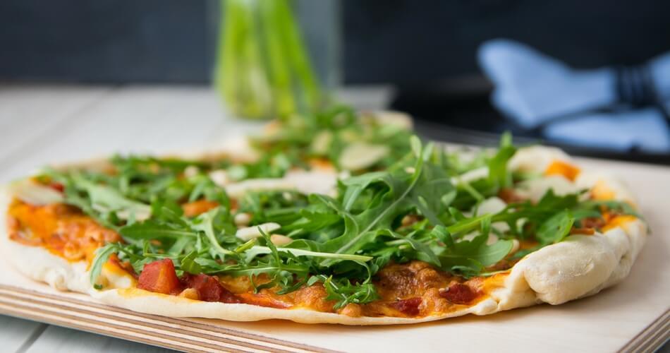 Mini Kühlschrank Mit Gefrierfach Für Pizza : Super dünner und mega knuspriger dinkel pizzateig