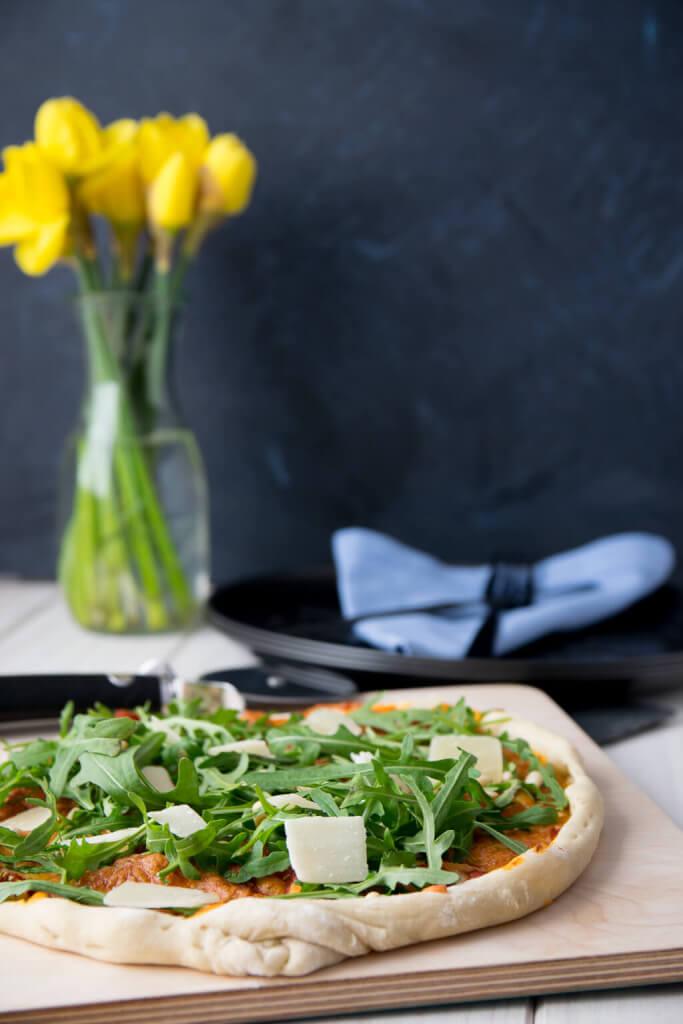 Dinkel Pizzateig mit frischer Hefe