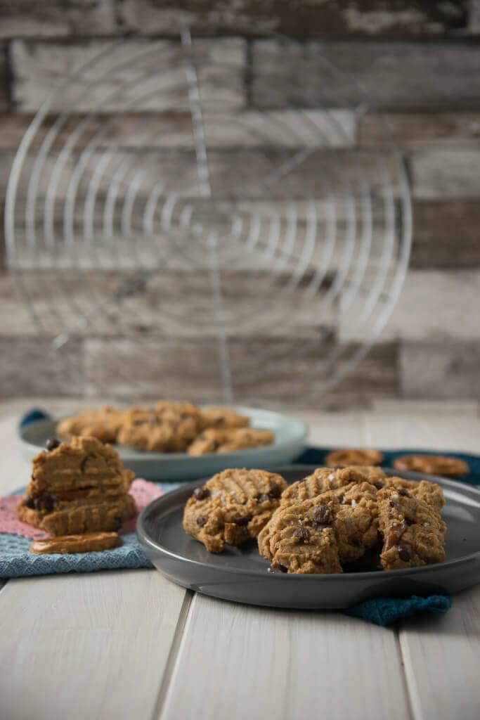 Erdnussbutter Kekse mit Salzbrezel