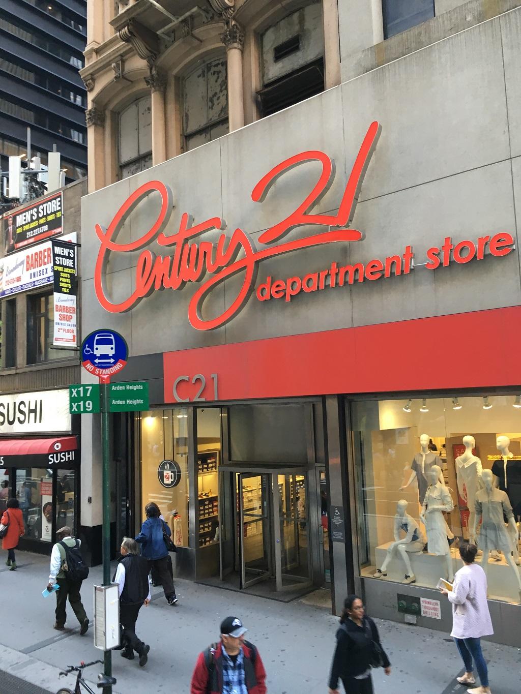 Shoppen bei Century 21 New York