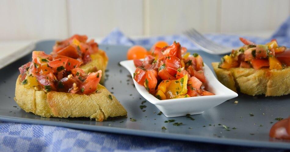Bruschetta - einfach lecker & perfekt zum Selbermachen für Zuhause