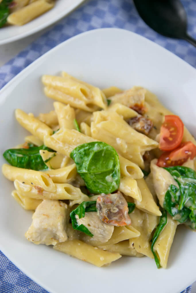 Chicken Pasta Alfredo mit Spinat
