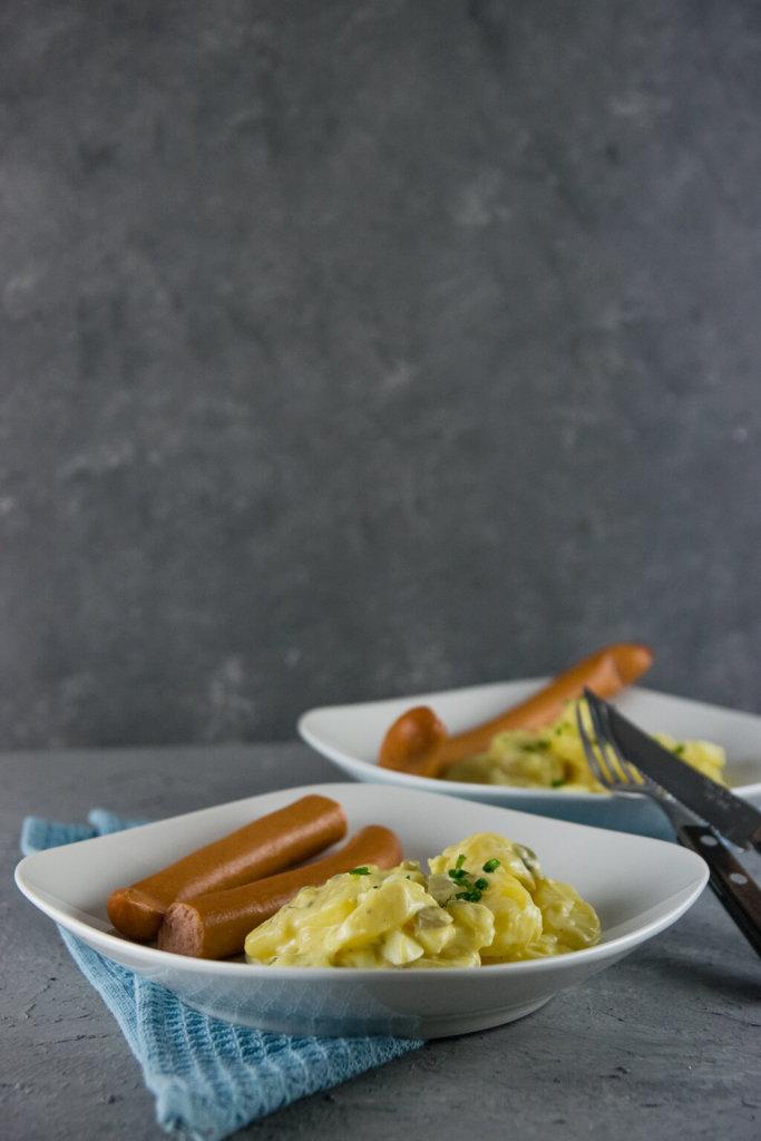 Kartoffelsalat mit leichter Mayonnaise und Senf