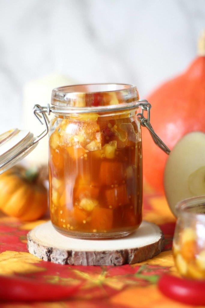 Super lecker und das perfekte Rezept im Herbst - Kürbis Apfel Chutney