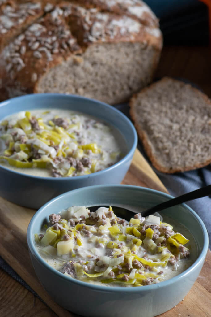 Diese Käse Lauch Suppe mit Hackfleisch ist perfekt für tolle Partys