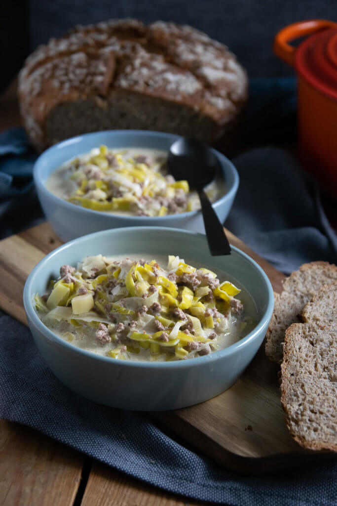 Käse Lauch Suppe mit Hackfleisch - mega lecker und fertig in nur 20 Minuten