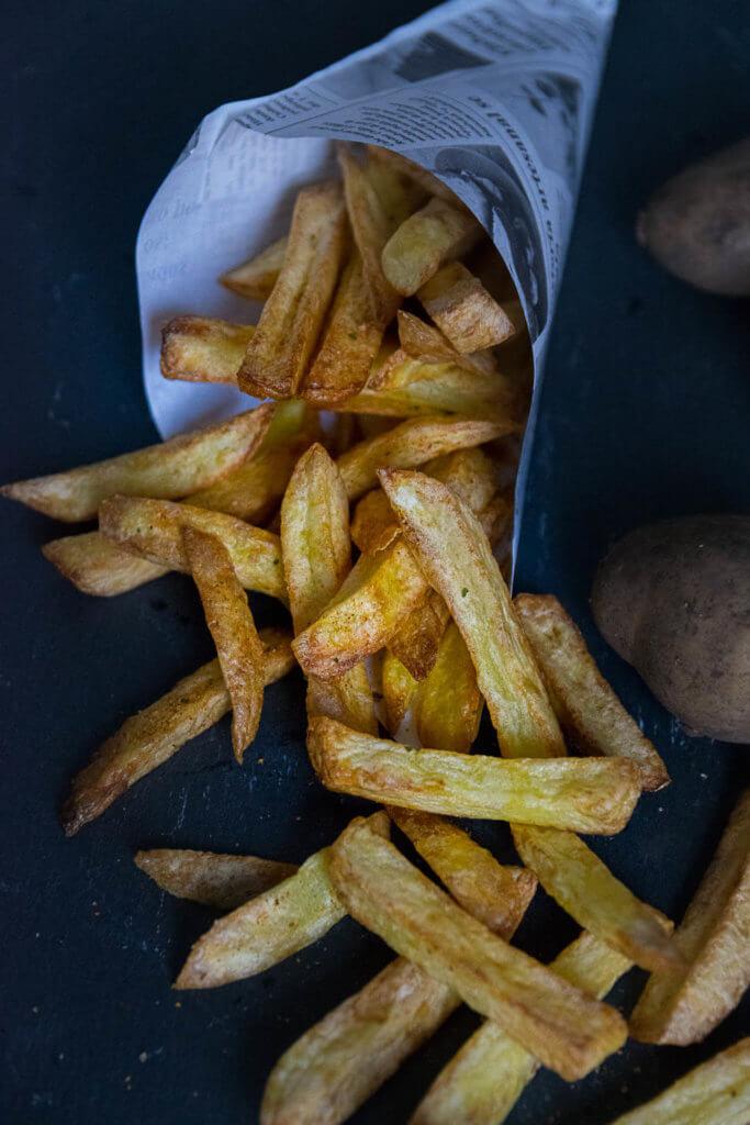 pommes knusprig frittieren ohne viel Fett - so klappt es mit der Heißluft Fritteuse