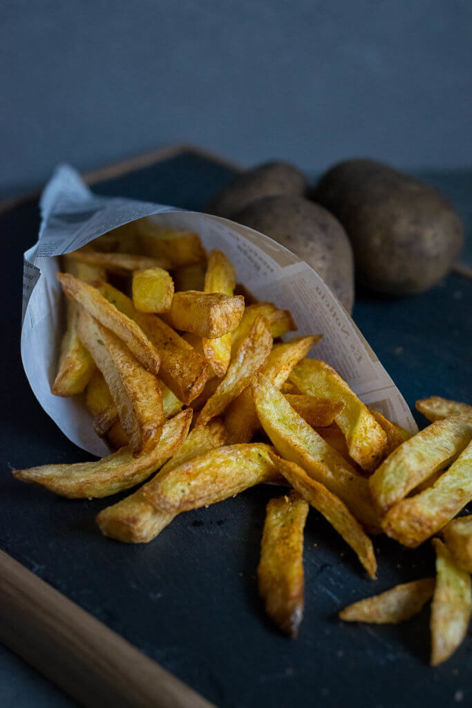 Diese Pommes kannst du ganz einfach selber zubereiten - low fat Pommes mit leckerem Pommessalz