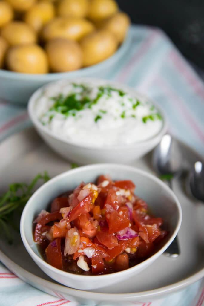 Schnelle Tomatensalsa und Kartoffel Dip