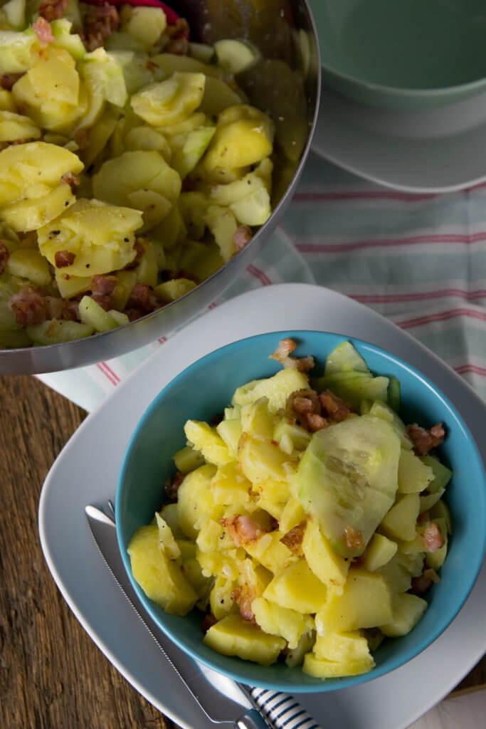 Bayrischer Kartoffelsalat mit Speck und Salatgurke