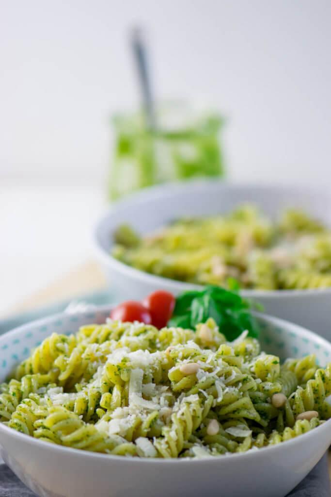 In nur 15 Minuten fertig - Pesto Pasta mit nur 4 Zutaten